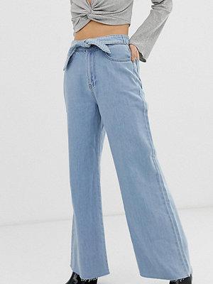 See You Never Blekta jeans med vida ben och knytning i midjan Blekt