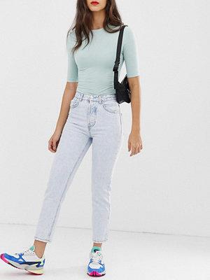 Stradivarius Ljusblå mom-jeans