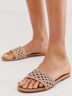 New Look Sliders med flätat
