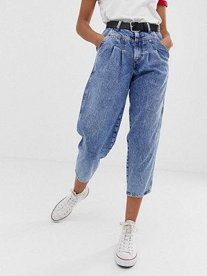 Wrangler Ballongformade jeans i retrostil Mama rock