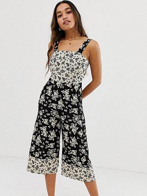 New Look Petite Blommig jumpsuit i culotte-modell Blommigt