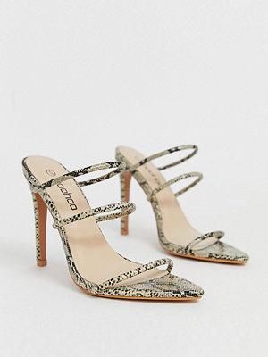 Boohoo Ormskinnsmönstrade sandaler med klack och remmar Orm