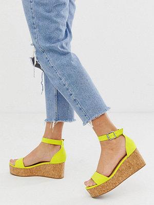 New Look Ljusgröna platta sandaler i mockaimitation Ljusgrön