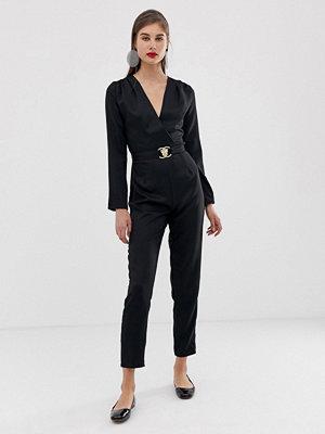 Jumpsuits & playsuits - Unique21 Figursydd jumpsuit med guldspänne