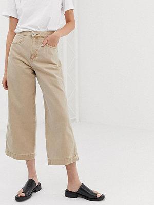 Weekday Beige jeans med vida ben och blixtlåsficka framtill Sand