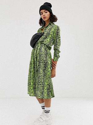 NA-KD Neongrön ormskinnsmönstrad kjol