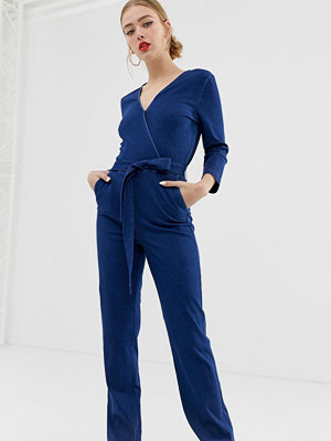 Only Jumpsuit i denim med omlott framtill Mellanblå