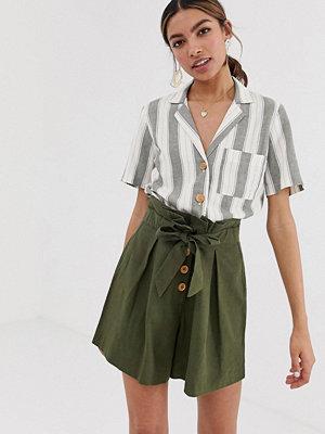 Miss Selfridge Randig linneskjorta med fyrkantig passform och ficka