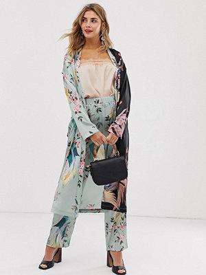 Liquorish Fågelmönstrad kimono i longlinemodell