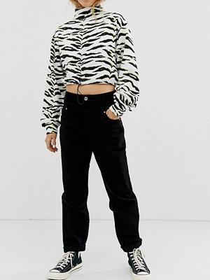 Bershka Svarta jeans med dekorativ söm framtill