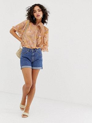 Vero Moda Jeansshorts i mom-modell med hög midja