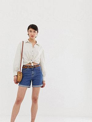 Vero Moda Tall Jeansshorts i mom-modell med hög midja
