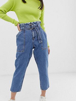 River Island Petite Mellanblå jeans med rynkad midja