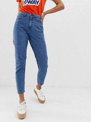Noisy May Mamma jeans med grazer vrister