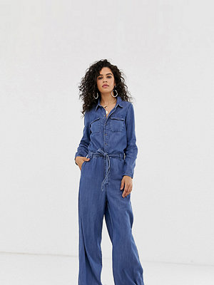 Only Tall Jumpsuit med vida ben och knappar i denim Mellanblå