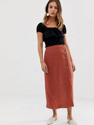 New Look Rostfärgad kjol med asymmetrisk fåll Rostfärgat