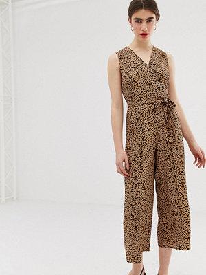 Warehouse Leopardmönstrad jumpsuit med ankellånga ben och skärp
