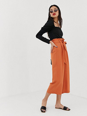 Stradivarius Orange culotte-byxor med skärp Orange