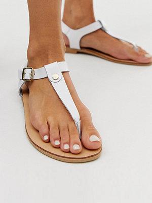 Oasis Vita sandaler med tårem