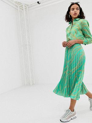 NA-KD Grön plisserad skjorta med kedjemönster