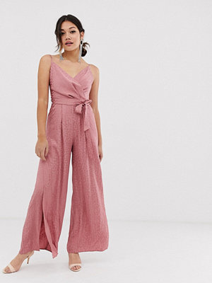 Miss Selfridge Rosa jumpsuit i omlottmodell
