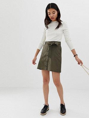 ASOS DESIGN Minikjol i linnetyg med knappar Kakifärgad