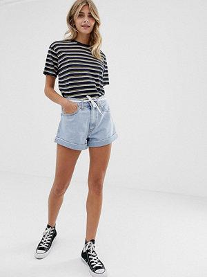 Levi's Extra Shorts med uppvikta byxben Not kidding