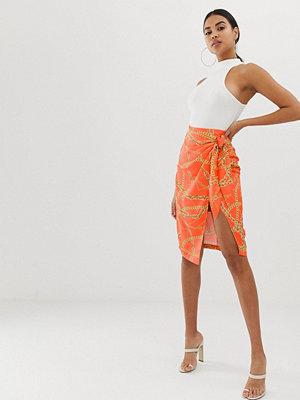 4th + Reckless 4th & Reckless Orange omlottkjol med kedjemönster och knut framtill Orange chain print