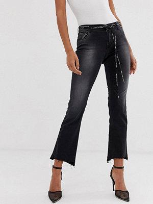 Replay Höga ankellånga jeans med asymmetrisk fåll och vävt skärp med logga Svart