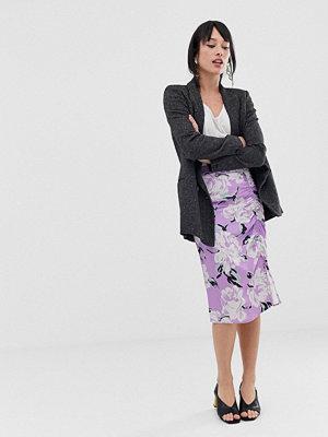 Gestuz Gwin Blommig midikjol med rynkad detalj Purple flower