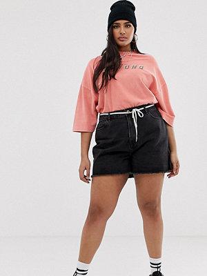 Collusion Plus Svarta mom shorts