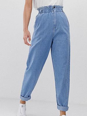 Asos Tall Mjuka peg-jeans i ljus vintagetvätt med elastisk indragen midja Light vintage wash b