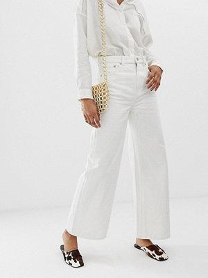Weekday Ace Vita jeans med vida ben