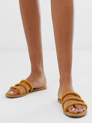 New Look Gula sandaler med rundade remmar Majs-gul