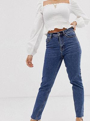 Only Petite Jeans med raka ben