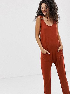 Asos Tall Minimalistisk jumpsuit med fickor och knappdetalj i sidan Rostfärgat