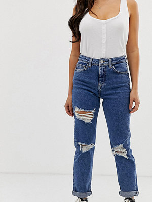 New Look Petite Blå mom-jeans med flera revor