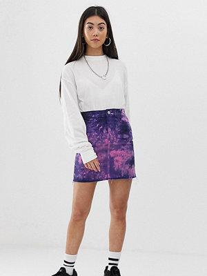 Collusion Petite batikfärgad jeanskjol i minimodell