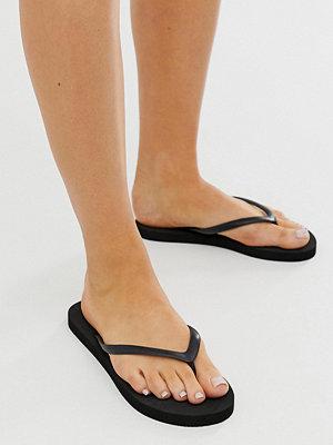 Monki Svarta flip flops