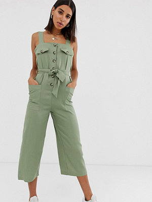 Jumpsuits & playsuits - Bershka Khakifärgad jumpsuit i funktionsmodell