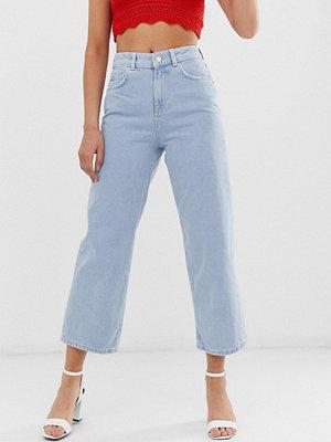 Pieces Bex Ankellånga jeans med vida ben Ljusblå
