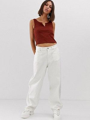 Weekday Vita jeans i oversize-modell med låg midja och vida ben