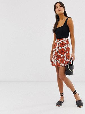 Pimkie Blommig kjol med knappdetalj framtill