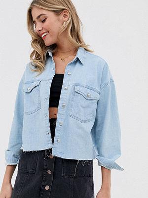 Pull&Bear Ljusblå skjortjacka i tunn denim