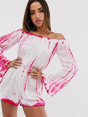 Jumpsuits & playsuits - Missguided Batikfärgad playsuit med bardotringning Rosa