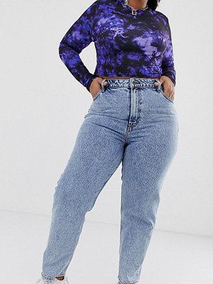 Collusion Plus x005 Vintagetvättade jeans med raka ben