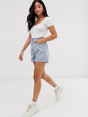 New Look Blå stentvättade shorts med rynkad midja Ljusblå