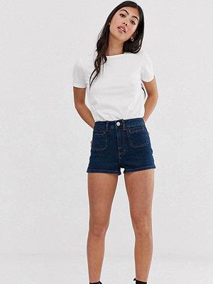 ASOS Petite Shorts i 70-talsmodell med fickor Indigo