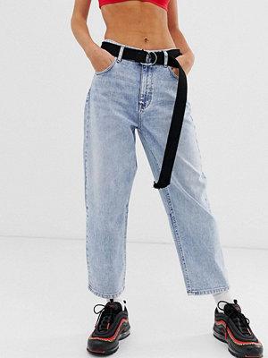 Bershka Blå jeans med barrel-ben
