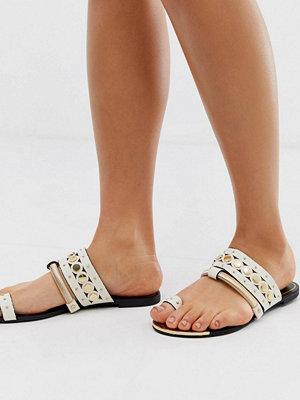 River Island Vita sandaler med tårem